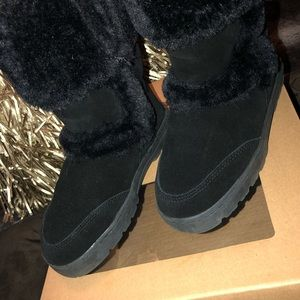 Genuine suede black boots!